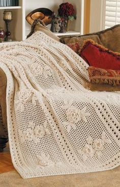 Flower Garden Afghan, Delicate flowers grace an open mesh background for an elegant yet easy crochet afghan: FREE crochet pattern Crochet Afghans, Filet Crochet, Crochet Bedspread, Crochet Blankets, Irish Crochet, Crochet Home, Crochet Crafts, Easy Crochet, Crochet Projects