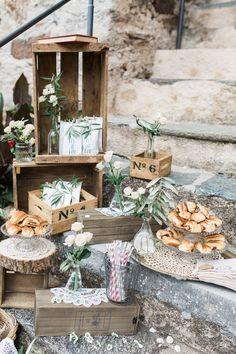 fika svedese Fika, Ladybug, Drink Stations, Sweet Tables, Table Decorations, Boho, Garden, Pretty, Buffet