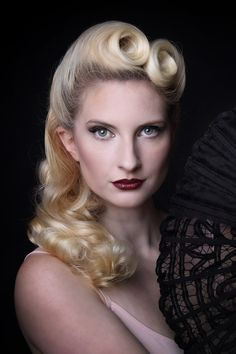 Classic 1940s hair by @Frugal Flamingo Amy and photography by All About Image, Makeup by moi x