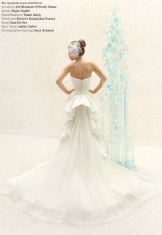 Modern art bride. Photography by www.deuxboheme.com Avant Garde bouquet.  Modern art Sculpture.  Art Museum wedding. Contemporary floral design, artistic bridal, minimalist wedding inspiration. Zac Posen wedding dress.