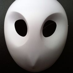 Seriously though, why have I not been to Comic-con? DC handed out Court of Owls Mask Court Of Owls, Character Art, Character Design, Owl Mask, Villain Costumes, Butterfly Mask, Helmet Paint, Batman Comics, Batman Vs