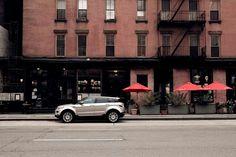 Brick, buildings and red umbrellas in Tribeca. Red Umbrella, Usa Tumblr, Brick Building, Range Rover, My Photos, Umbrellas, Journey, Buildings, Architecture