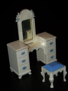 Ideal BEDROOM VANITY & STOOL Vintage Tin Dollhouse Furniture Plastic Marx Renwal   eBay
