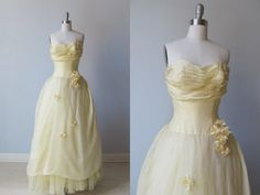 Vintage 1950s Dress Pale Yellow Gown w. Flowers Details