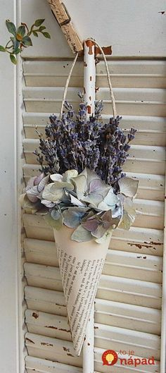hydrangea garden care Dried French Lavender In Vintage French Book Cone / Dried Lavender Arrangement French Cottage, French Country House, French Country Decorating, French Country Crafts, French Crafts, Deco Floral, Arte Floral, Decoration Shabby, Deco Champetre