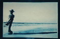 Papa! Op het strand een cyanotypie: oude afdruktechniek uit 2008