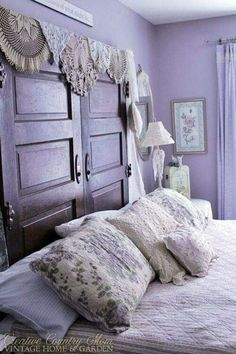 Colors 38 Latest Lavender Bedroom Decor - Pin By Arias Crafty Crescendo On Bedrooms In 2019 Purple - Rose Shabby Chic, Shabby Chic Homes, Shabby Chic Decor, Lavender Room, Lavender Cottage, Casas Shabby Chic, Estilo Shabby Chic, Purple Rooms, Creation Deco