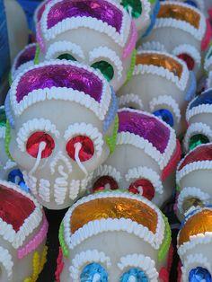 DIA DE LOS MUERTOS/DAY OF THE DEAD~Calaveras de azucar