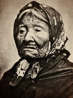 Princess Angeline, oldest daughter and last surviving child of Chief Seattle, said to be the last Indian in Seattle by 1896.  About 80 years old. - By Edward Curtis