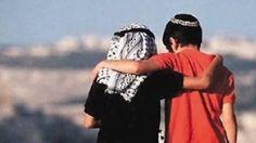 Allah Filistin'de şehit olan kardeşlerimizi rahmetiyle kuşatsın, gazilere bir an önce şifa nasip etsin. Ortadoğu'da büyük olaylar katlanarak devam edecektir. Hadislerin işaretlerinden de bunu görüyoruz. Bizim temennimiz Filistin ve İsrail'in, peygamber soyu olan iki kardeş halkın, bir an önce barışması, bölgeye huzur ve güvenliğin gelmesi. Allah bir an önce barışı hakim kılsın, Müslümanların, Hristiyanların, Musevilerin …