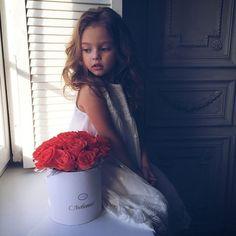 Dievčatko s anjelskou tvárou Anna Pavaga má iba šesť rokov, no už teraz jej predpovedajú slušnú modelingovú kariéru