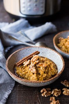 Instant Pot Steel Cut Oats with Pumpkin and Walnuts- a delicious healthy vegan breakfast perfect for fall! #instantpot #steelcutoats #pumpkinoats #veganbreakfast #veganoats #vegan #pumpkinoatmeal Healthy Vegan Breakfast, Eat Breakfast, Healthy Fats, Breakfast Ideas, Easy Healthy Recipes, Whole Food Recipes, Easy Meals, Clean Eating Recipes, Vegan Recipes