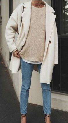 white felt coat + cream cashmere sweater + levis skinny ankle jeans outfit + wrap heels casual everyday outfits for women for fall and winter Outfit Jeans, Sweater Outfits, Cream Jeans Outfit, White Coat Outfit, Jeans Outfit Winter, White Heels Outfit, Long Coat Outfit, Jeans Outfit For Work, Cream Outfits