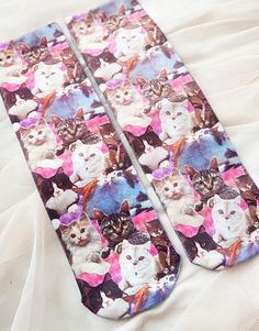 ♡♡♡♡♡+  Cotton+socks+with+assorted+cat+design+on+them.+Too+cute!!  ♡♡♡♡♡+  FREE+SHIPPING+IN+AUSTRALIA!+[$3+everywhere+else.]+  ♡♡♡♡♡+  Please+allow+3+-+6+weeks+for+this+product+to+get+to+you.+If+you+need+it+faster,+please+contact+me+before+you+buy+it+and+I'll+calculate+shipping+prices+for+you.+  ...