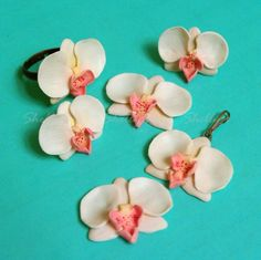 Learn to create polymer clay flowers for jewelry