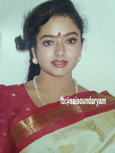 South Indian Actors Female, South Indian Actress Hot, Beautiful Bollywood Actress, Beautiful Indian Actress, Beautiful Actresses, Old Actress, Actress Photos, Beauty Full Girl, Beauty Women