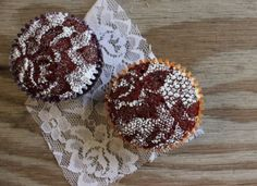 Lace Cupcakes are such a clever idea! Cover a chocolate cupcake with lace, sprinkle with powdered sugar, and you've got a beautiful dessert! Lace Cupcakes, Cupcake Cakes, Velvet Cupcakes, Pretty Cupcakes, Vegan Cupcakes, Beautiful Cupcakes, Sweet Cupcakes, Yummy Cupcakes, Cupcake Ideas