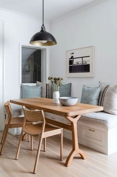 Interiors That Marries Curated and Comfortable Home Suites, Trestle Dining Tables, Dining Chairs, May Designs, Built In Seating, Living Room White, Dining Nook, Kitchen Nook, Interior Design Studio