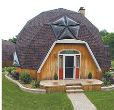 Google Image Result for http://www.bigbeardomehome.com/images/domes/homes1.jpg