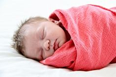 TUTORIAL: gauzey muslin swaddle blankets.  I am so sick of baby prints and need a light summer swaddle blanket!