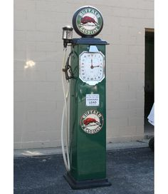old gasoline pumps photos - Bing Images Old Gas Pumps, Vintage Gas Pumps, Pin Up Girls, Pompe A Essence, Gas Company, Gas Service, Old Gas Stations, Oil And Gas, Industrial Furniture