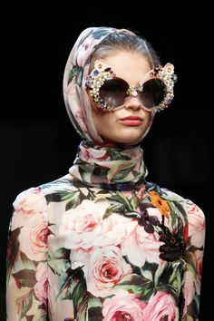 floral wear bling bling sunglasses       Details from Dolce & Gabbana Spring 2016.      Milan Fashion Week.       Details from Dolce & Gabbana Spring 2016.      Milan Fashion Week.
