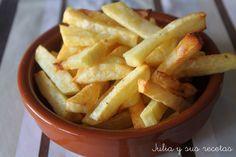 How to make baked potato chips: half the calories and even better flavor - Recetas - Patatas Mexican Food Recipes, Vegan Recipes, Cooking Recipes, Tapas, Hamburgers, International Recipes, Potato Recipes, Healthy Cooking, I Foods