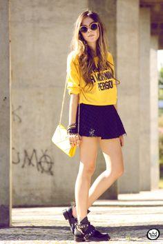 http://fashioncoolture.com.br/2014/02/03/look-du-jour-i-am-not-a-morning-person/