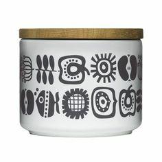Diese fröhliche, runde Aufbewahrungsdose ist in drei verschiedenen Größen bestellbar. Keep ist ein spannendes, grafisches Retro-Muster, das von der schwedischen Designerin Lotta Odelius für Sagaform entworfen wurde.