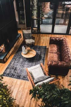 Is clutter taking over your house? Then it's time for you to take action and get rid of clutter fast with our storage solutions and DIY space-saving ideas that'll keep your home clutter-free! Storage Design, Diy Storage, Storage Ideas, Getting Rid Of Clutter, Getting Organized, House Shelves, Small Space Organization, Organizing Ideas, You Are Home