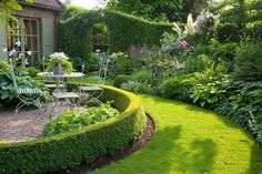 Garden design for beginners. From layout to seating, Joe Swift shows how to create a beautiful, functional garden - whatever your budget Backyard Ideas For Small Yards, Backyard Plan, Landscaping Software, Landscaping Plants, Back Gardens, Small Gardens, Amazing Gardens, Beautiful Gardens, Landscape Design