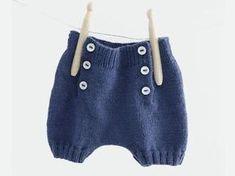 Trop chou avec ses boutons sur le devant, un modèle de short pour les beaux jours de votre moussaillon à tricoter de la naissance à 12 mois. Un modèle Phildar printemps-été 2016.