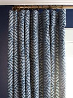 Modern Window Treatment Ideas Living Room and Dining Room Decorating Ideas and Design HGTV Bedroom Windows, Living Room Windows, New Living Room, Cozy Living, Windows Pic, Modern Window Treatments, Kitchen Window Treatments, Window Treatments Living Room Curtains, Midcentury Window Treatments