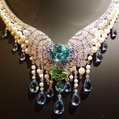 Van Cleef and Arpels. AN ABSOLUTELY BREATHTAKING NECKLACE WITH MANY GEMS.CHERIE