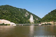 Statue of Dacian king, Decebalus along the Danube River