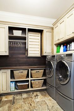 10 clever small laundry room storage and organization ideas - Home And Gardening. 10 clever small laundry room storage and organization ideas – Home And Gardening Ideas Laundry Room Remodel, Laundry Room Storage, Laundry Room Design, Laundry In Bathroom, Laundry Rooms, Basement Laundry, Laundry Area, Laundry Closet, Laundry Baskets