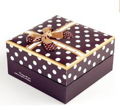 Ohum... I like food packaging box. So beautiful. After i eat the food from the packaging box, i would like to use the box to store my accessories.
