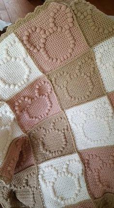 Crochet Bedspread, Baby Afghan Crochet, Crochet Granny, Crochet Square Patterns, Crochet Blanket Patterns, Baby Knitting Patterns, Bobble Stitch Crochet, Crochet Stitches, Crochet Disney