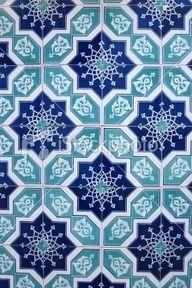 This tiles are perfect for house beautification's. Tile Patterns, Pattern Art, Textures Patterns, Pattern Design, Geometric Patterns, Tile Art, Mosaic Tiles, Backsplash Tile, Arabesque