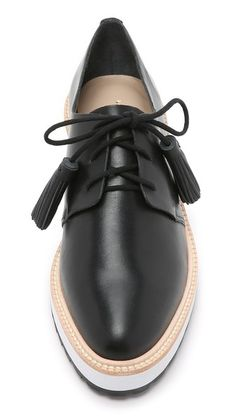 Head over Heels - Loeffler Randall Callie Platform Oxfords Pretty Shoes, Beautiful Shoes, Cute Shoes, Me Too Shoes, Shoe Boots, Shoes Sandals, Shoes Sneakers, Oxford Platform, Oxford Shoes