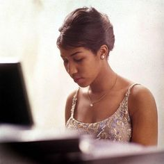 Aretha Franklin 5 Things We're Not Gonna Do as We Honor the Queen of Soul Old School Music, Old Music, Vintage Black Glamour, Gone Girl, Sweet Soul, Black Artwork, Aretha Franklin, Iconic Women, Sound Of Music