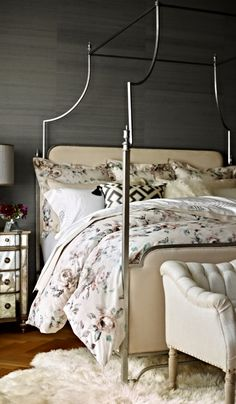 The Park Lane Canopy Bedu0027s clean curvilinear profile and regal finials project English Regency styling & Park Lane Canopy Bed $1595 regular king will fit King Bed: 85-1/2 ...