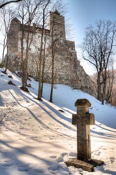 Bran castle, famous Dracula's castle, Romania www.romaniasfriends.com