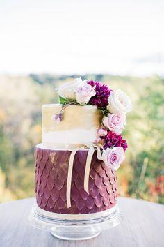 wedding cake from Beard Hill Elopement shoot http://www.trendybride.net/beard-hill-michigan-elopement/