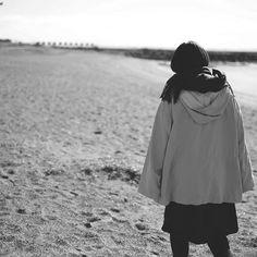【fjfb0129】さんのInstagramをピンしています。 《お友達を撮りました。 #ファインダー越しの私の世界  #写真撮ってる人と繋がりたい  #写真好きな人と繋がりたい  #葛西臨海公園 #日本 #東京 #海 #人 #ポートレート #砂浜 #モノクロ #白黒 #写真 #kasairinkaipark #japan #tokyo #sea #human #portrait #sandybeach #monochrome #photo #canon #eos6d #6d》