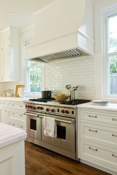 25 Kitchens with White Subway Tile Detail - Inspiration