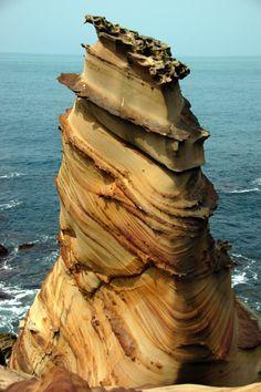 Más tamaños   Rock , N_E Taiwan   Flickr: ¡Intercambio de fotos!