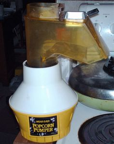 WEAR EVER POPCORN PUMPER OR BEAN DRYER 73000  1250 WATTS WITH BUTTER TRAY