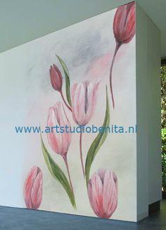 muurschildering wachtkamer tulpen