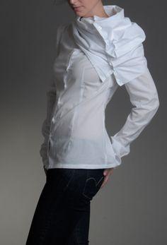 Soolista na hraně bílá – MOLO7 Bold Fashion, Womens Fashion, Ruffle Blouse, Classy, Blouses, Elegant, My Style, Casual, Shirts
